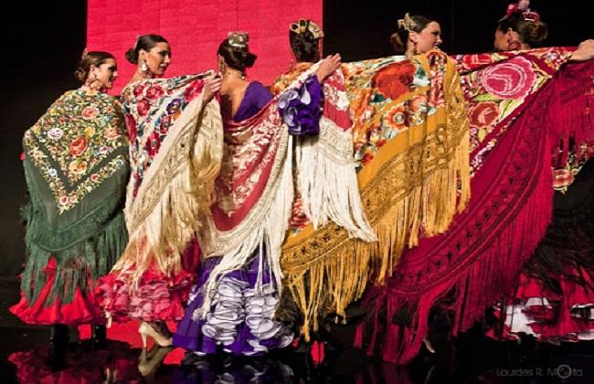 Cho thuê trang phục Tây Ban Nha