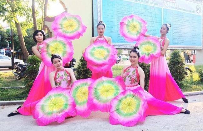 Trang phục múa hoa sen